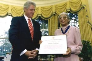 Rosa Parks con el presidente Bill Clinton